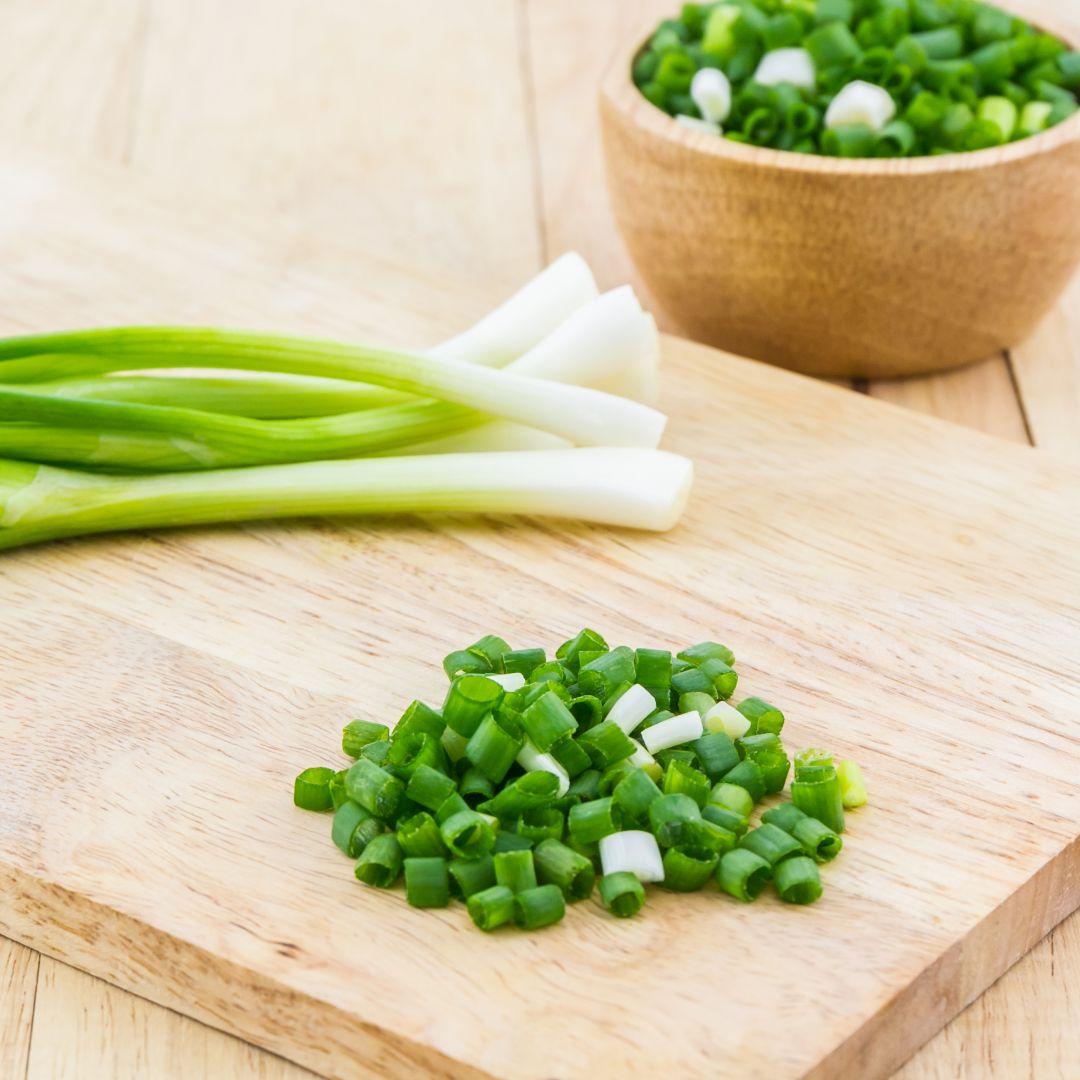 cebolleta-receta-cabracho-con-arroz-almejas-azafran