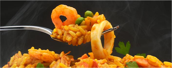 Plato de arroz con gambas y sepia